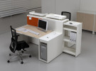 Рабочие места со встроенным кабель-менеджментом Las Mobili Logic