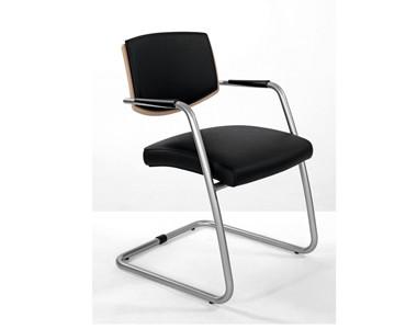 Офисное кресло для переговорных и зон ожидания Sitland Passe Partout